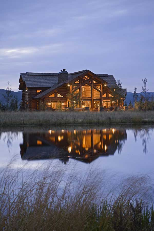Idaho Log Home on a Lake