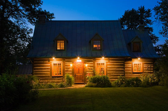 Quebec Log Home Exterior