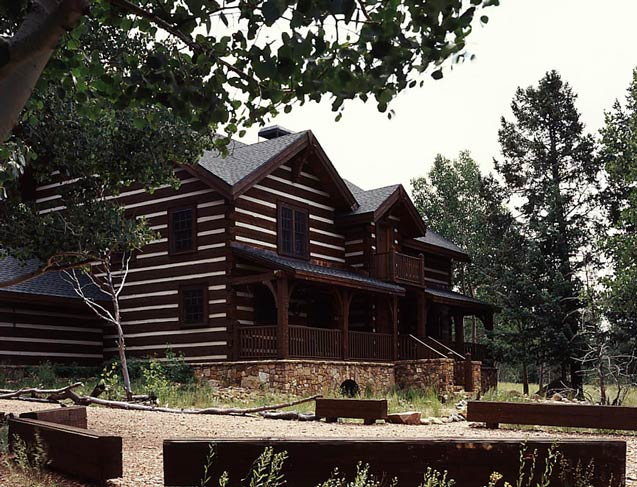 Rustic Log Home | Hearthstone Log Homes Inc.