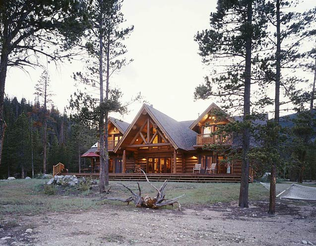 log cabin home exterior