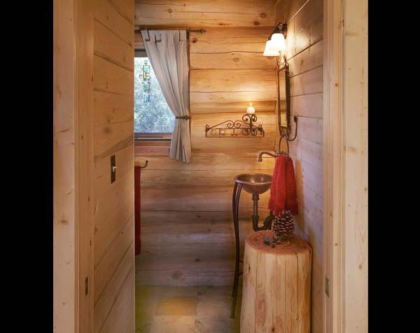 Pioneer log home photos food for the soul pioneer log for Log home bathroom ideas