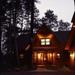 2-custom-log-home-night-408