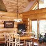 Big Logs Around Dining Room | Photo by James Ray Spahn