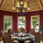Michigan log home dining room
