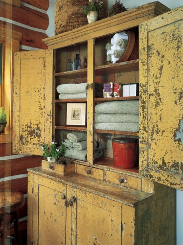 vintage-furnishings-cupboard