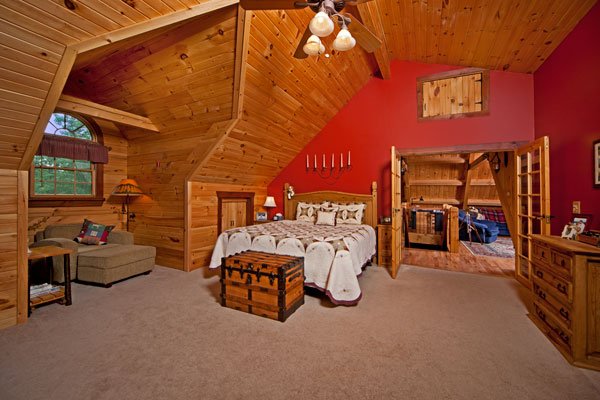 do-it-yourself-cabin-master-bedroom