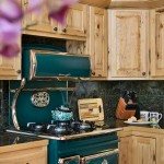 Linda saw a picture of an Elmira Stoveworks stove in a log-home magazine and knew she had to have one as the centerpiece of her Colorado kitchen. Though it fits with the Westlakes' rustic design style, the stove is digitized and entirely modern.